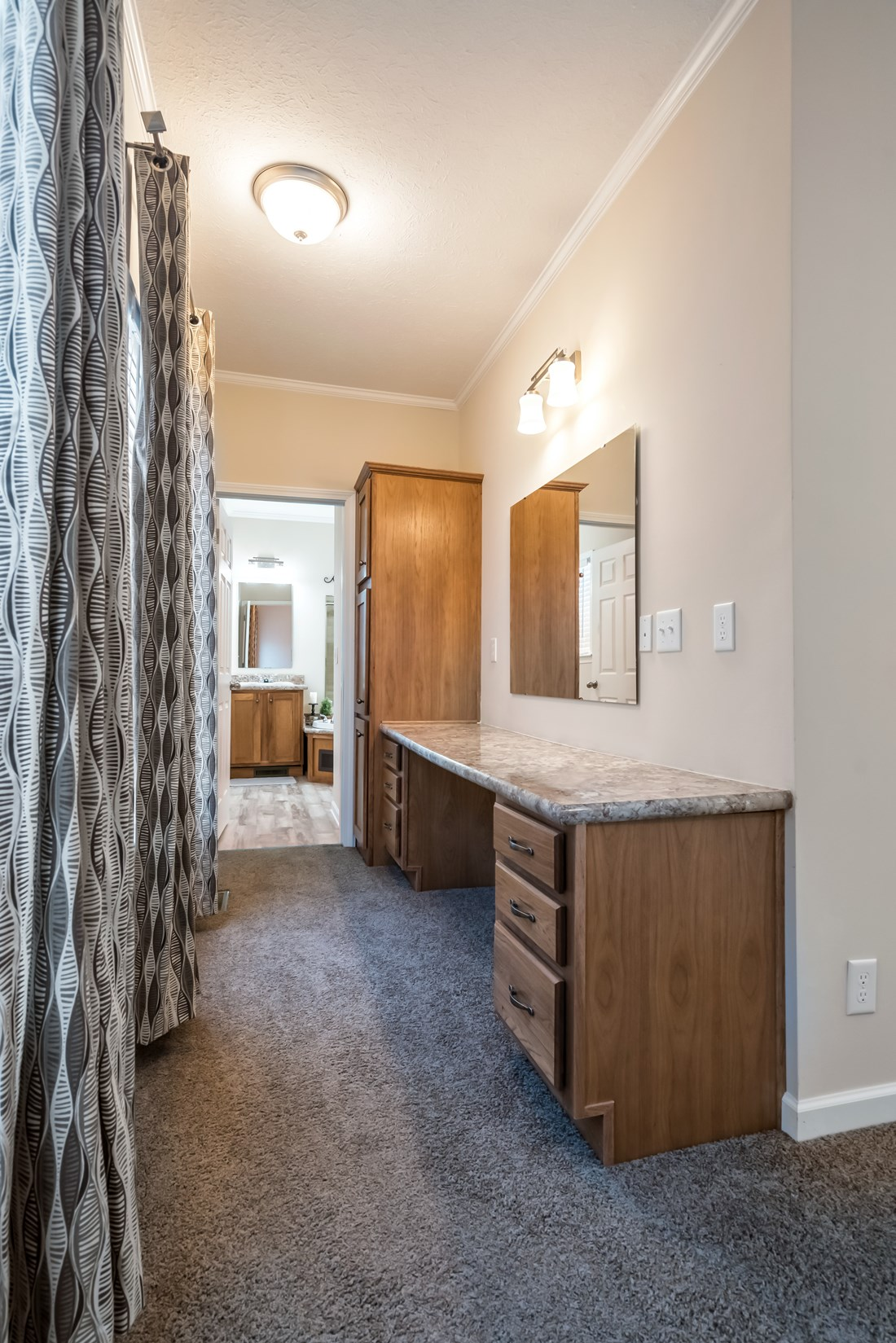The 2914 HERITAGE Study Nook. This Manufactured Mobile Home features 3 bedrooms and 2 baths.
