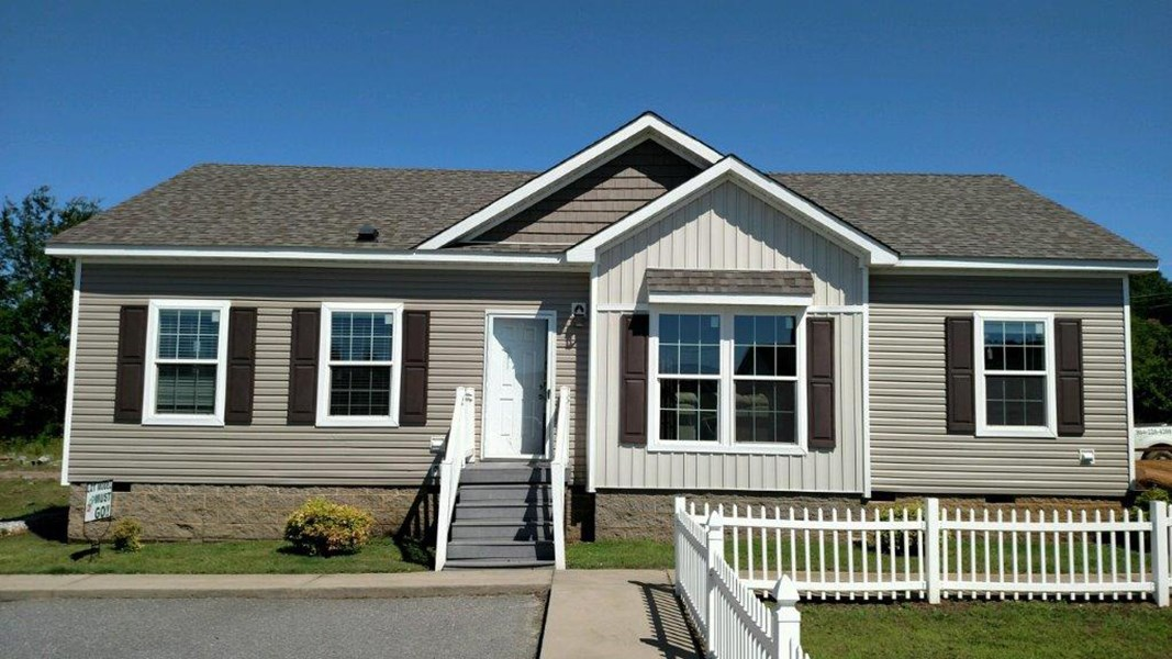 The 2906 HERITAGE Exterior. This Manufactured Mobile Home features 3 bedrooms and 2 baths.